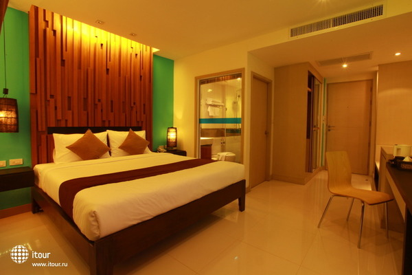 I Dee Hotel 3