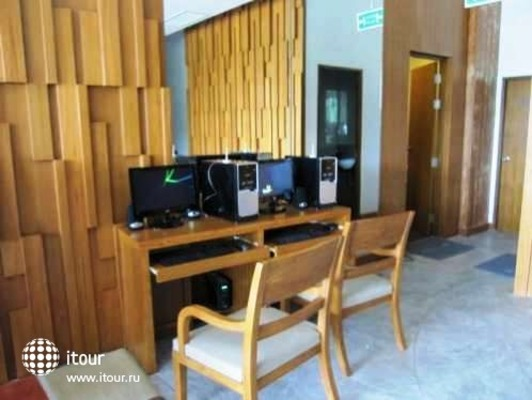 I Dee Hotel 10