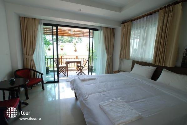 Surin Sabai Condominium 4