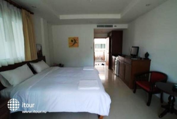 Surin Sabai Condominium 6