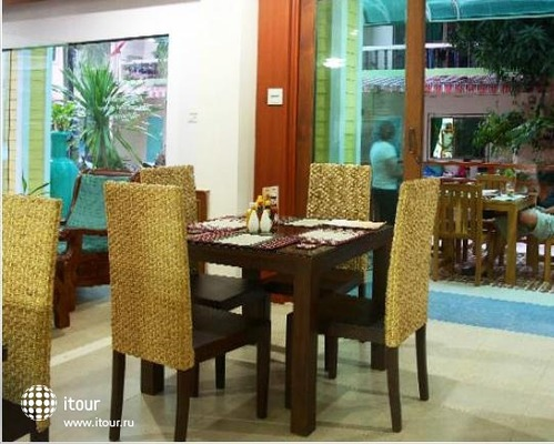 Tropical Inn 8