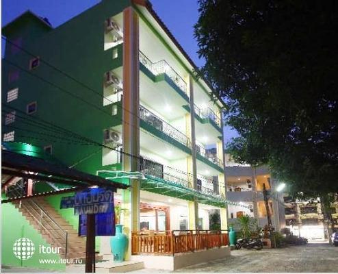 Tropical Inn 9