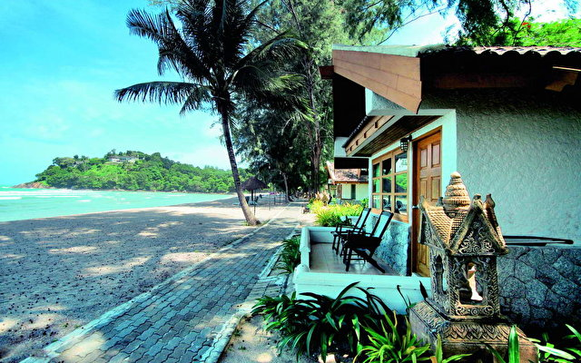 Thavorn Beach Bungalow 9