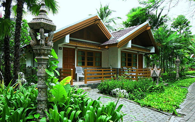 Thavorn Beach Bungalow 2