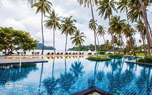 Crowne Plaza Phuket Panwa Beach Resort 2