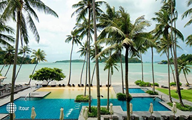 Crowne Plaza Phuket Panwa Beach Resort 6