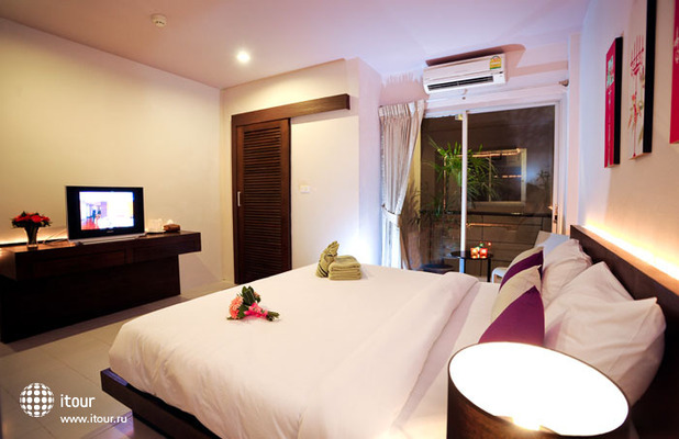 Urban Patong Mini Hotel & More 7