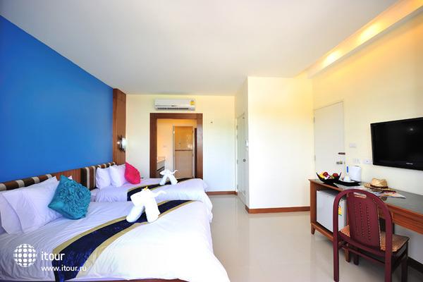 Kata Blue Sea Resort 8