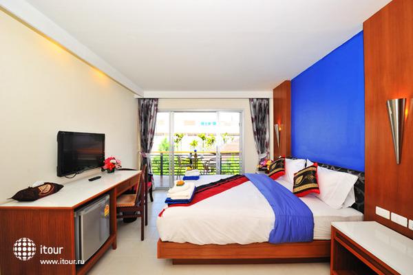 Kata Blue Sea Resort 10