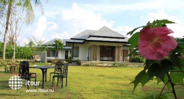 Perennial Resort 6