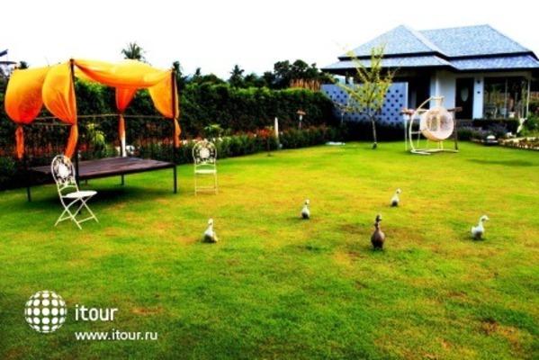 Perennial Resort 8