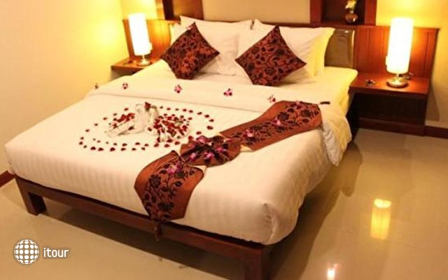Patong Hemingway's Hotel 6