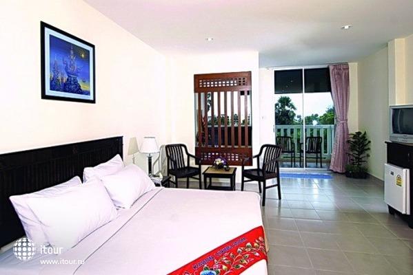 Karon Living Room 2