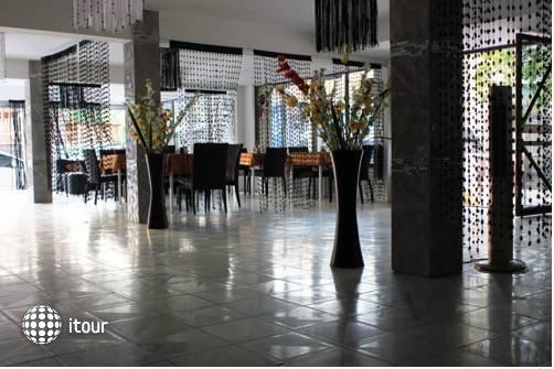 Jaranya Hotel Patong 9
