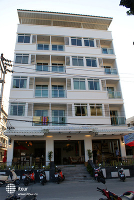 Home 8 Hotel 2