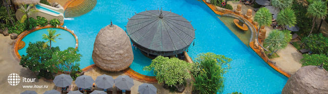 Movenpick Resort & Spa Karon 9