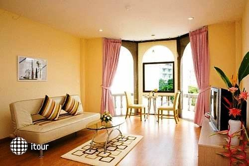 Phuket Center Apartment 4