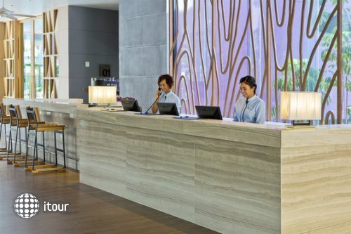 Holiday Inn Express Phuket Patong 10