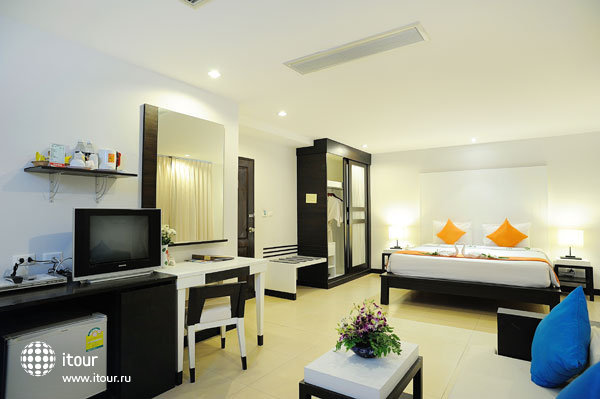 Baramee Resortel Patong Beach 9