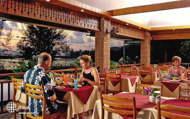 Bw Phuket Ocean Resort 8