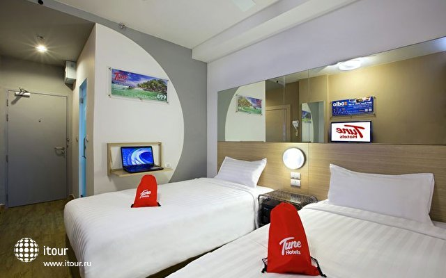 Tune Hotel Patong 4