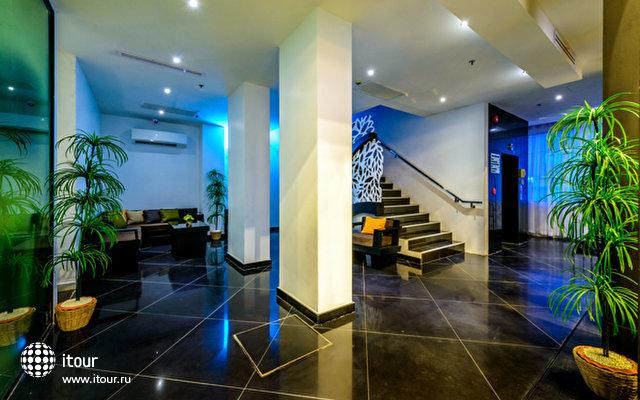 Nara Grandeur Hotel Patong 10