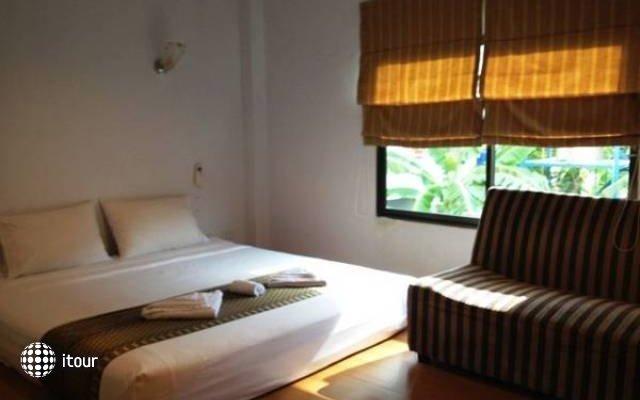 Thai Charm Guest House  5