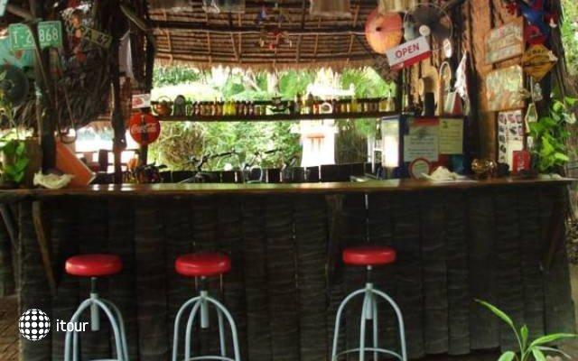 Thai Charm Guest House  8