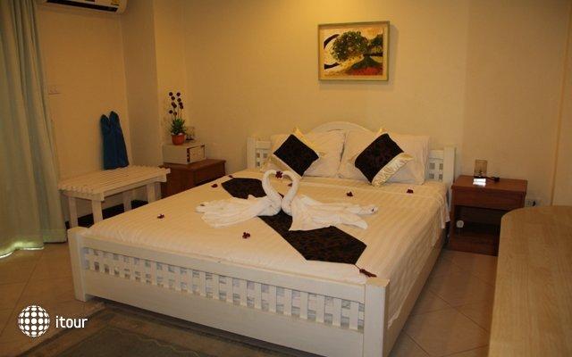 Thai Charm Guest House  9