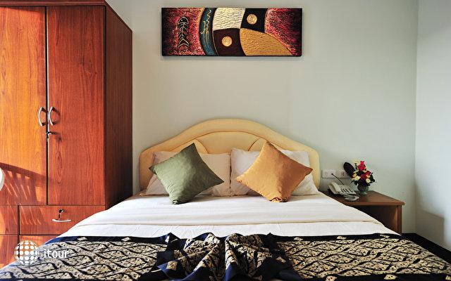Patong Bay Inn 10