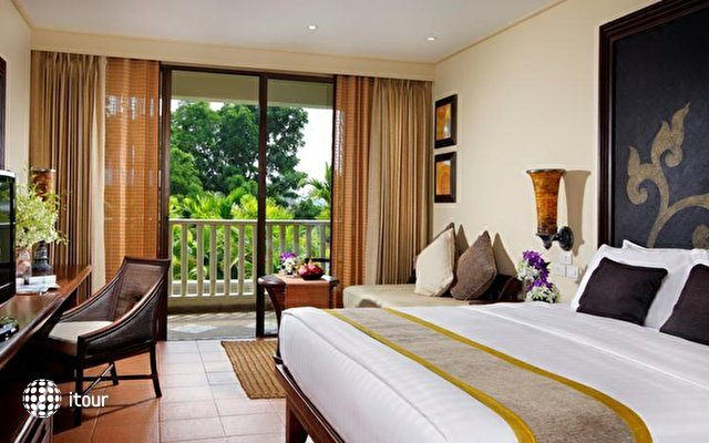 Moevenpick Resort & Spa Karon Beach Phuket 9