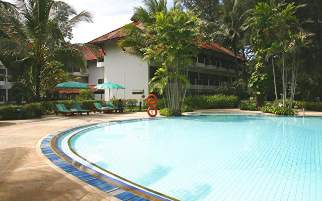 Amora Beach Resort 9