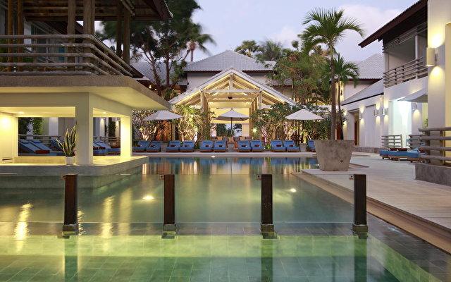 South Sea Karon Resort 1