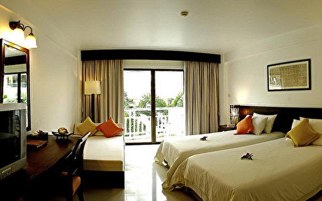 South Sea Karon Resort 6