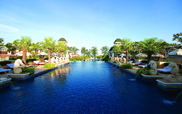 Phuket Graceland Resort 4