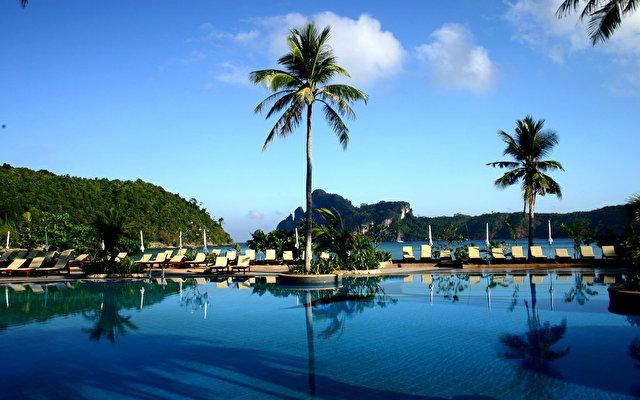 Phi Phi Island Cabana 2