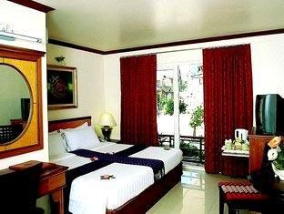 Phi Phi Hotel & Banyan Villa 1
