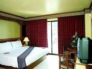 Phi Phi Hotel & Banyan Villa 6