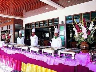 Phi Phi Hotel & Banyan Villa 8