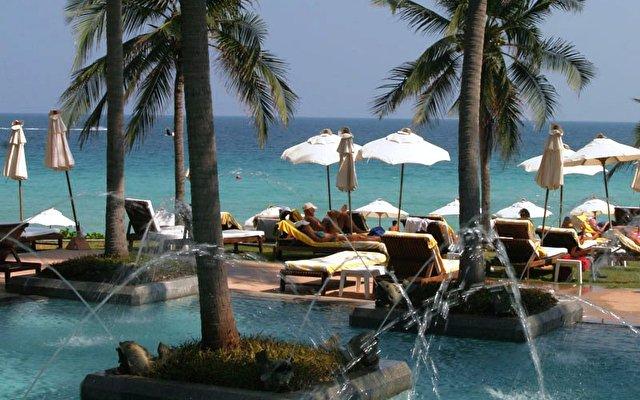 Centara Grand Beach Resort 2