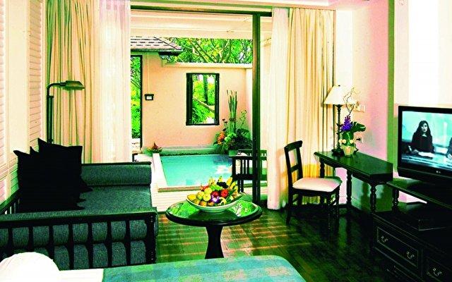 Centara Grand Beach Resort 8