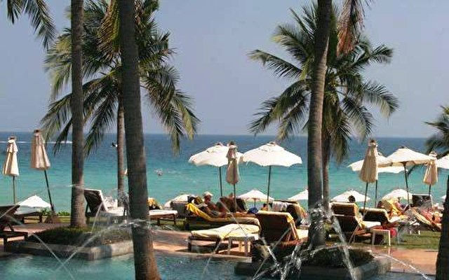 Centara Grand Beach Resort 10