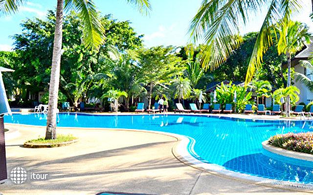 First Bungalow Beach Resort 9