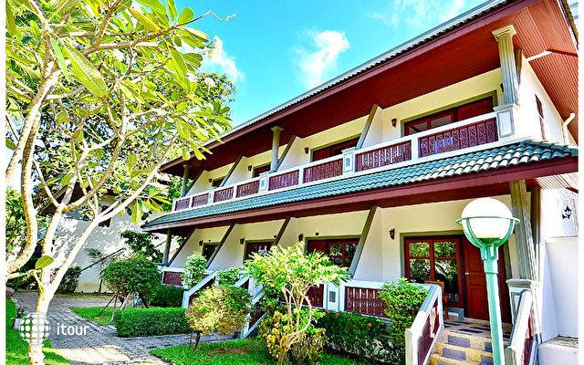 First Bungalow Beach Resort 2