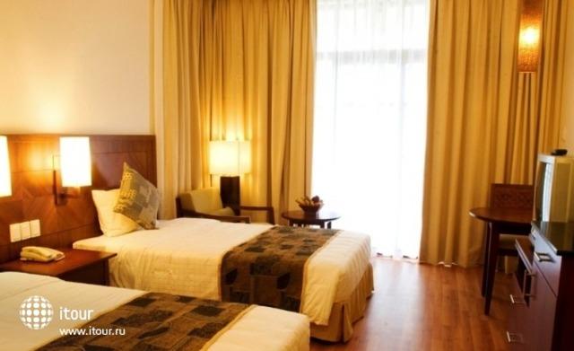 Golden Sands Beach Resort 3