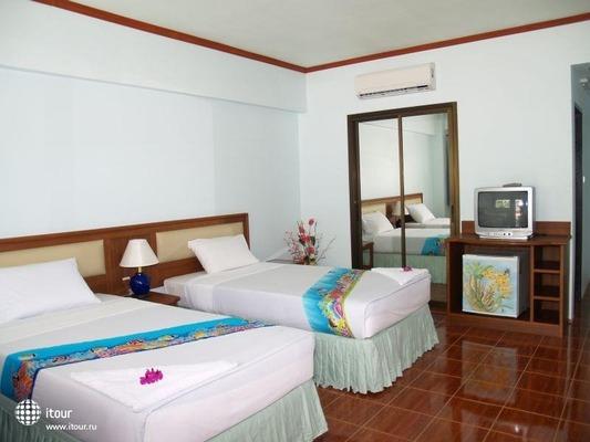 Choengmon Beach Hotel 3