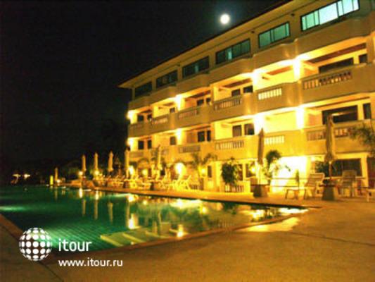 Choengmon Beach Hotel 1