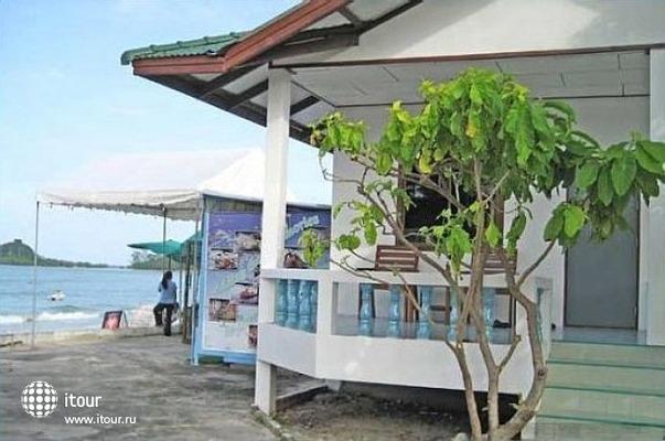 Choengmon Beach Hotel 9