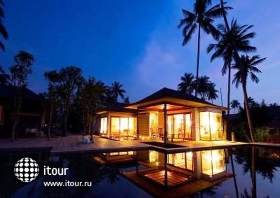 Tango Luxe Beach Villa 8