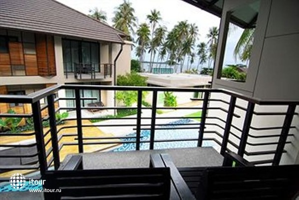 Centra Coconut Beach Resort Samui 4